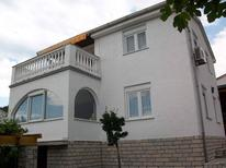 Holiday apartment 1000250 for 4 persons in Čižići