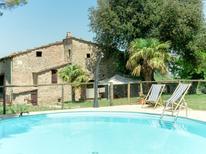 Ferienhaus 1001449 für 10 Personen in Pomarance