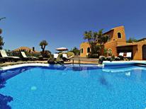 Casa de vacaciones 1001667 para 24 personas en Chayofa