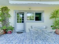 Appartement 1002825 voor 2 personen in Abragão