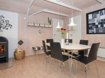 Casa de vacaciones 1005067 para 6 personas en Kvie Sö