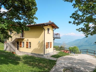Gemütliches Ferienhaus : Region Luganer See für 11 Personen