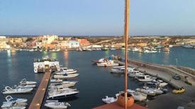 Holiday apartment 1005651 for 1 adult + 4 children in Lampedusa