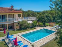 Ferienhaus 1006030 für 12 Personen in Sveti Bartul