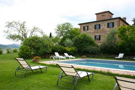 Gemütliches Ferienhaus : Region Montepulciano für 14 Personen