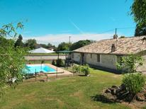 Holiday home 1007293 for 8 persons in Saint-Antoine-du-Queyret