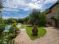 Villa 1007299 per 8 persone in Montecatini Terme