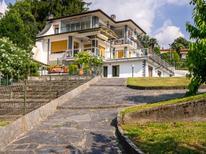 Appartement 1007558 voor 5 personen in Porto Valtravaglia