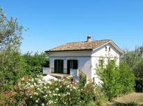 Ferienwohnung 1007846 für 5 Personen in Collecorvino