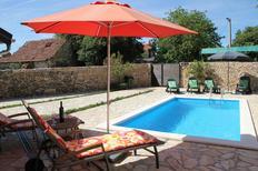 Ferienhaus 1009843 für 8 Personen in Bogatic