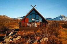 Vakantiehuis 1010092 voor 2 volwassenen + 2 kinderen in Breiddalsvík