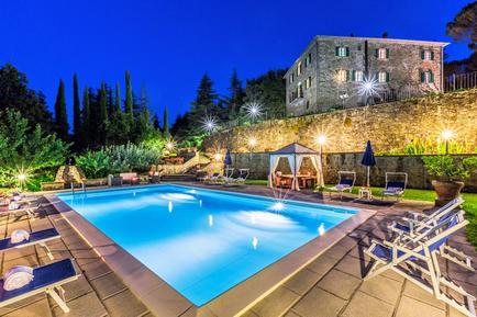 Gemütliches Ferienhaus : Region Monterchi für 12 Personen