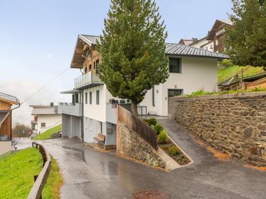 Für 12 Personen: Hübsches Apartment / Ferienwohnung in der Region Tirol