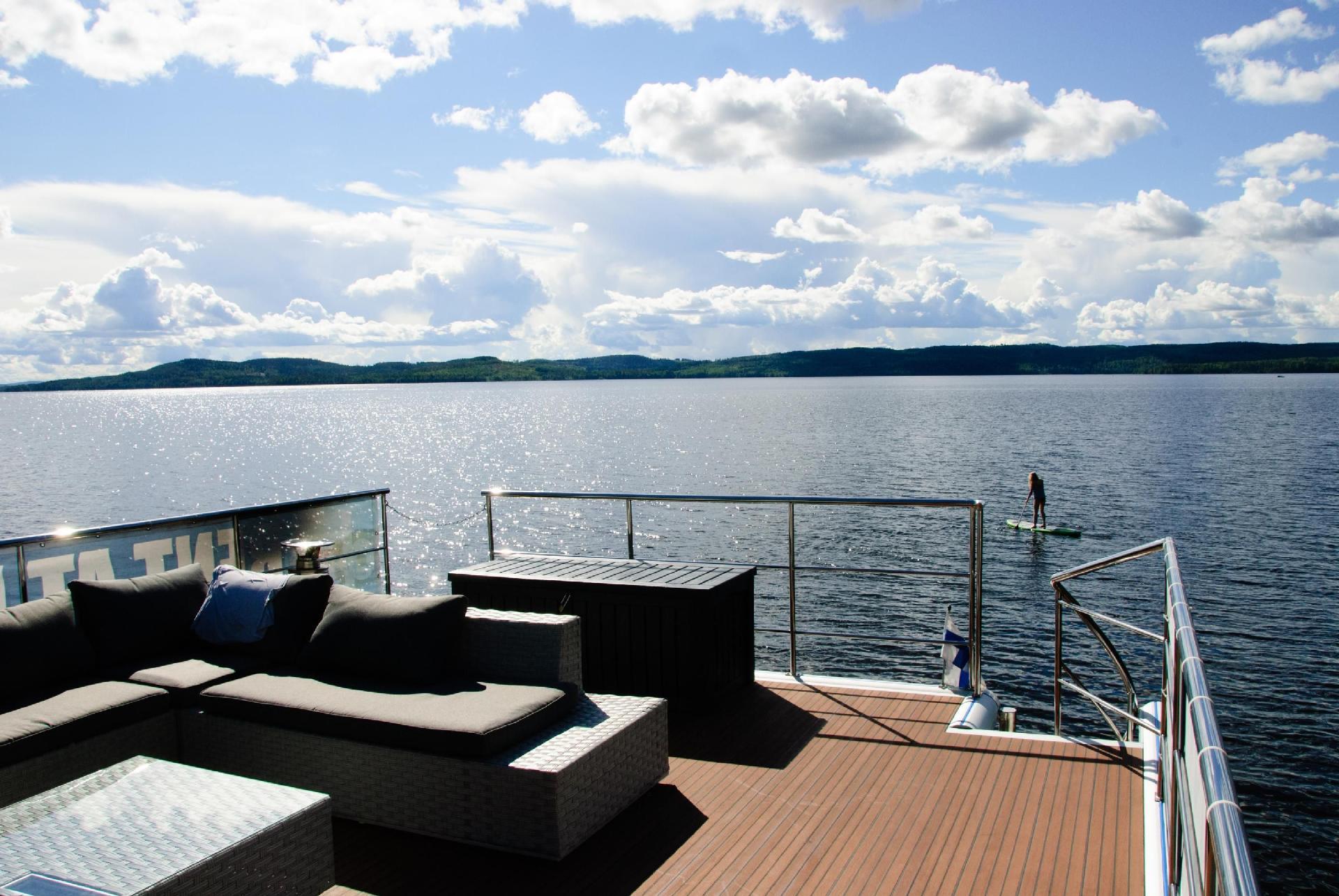 Hausboot/ Schiff für 6 Personen ca. 42 m² Boot