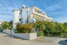 Appartamento 1017366 per 5 persone in Okrug Gornji