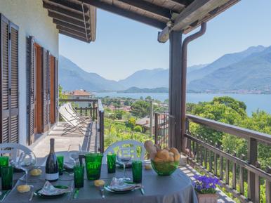 Gemütliches Ferienhaus : Region Domaso für 6 Personen