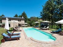 Ferienwohnung 1019418 für 8 Personen in Perugia