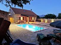 Holiday home 1020960 for 8 persons in Skarica