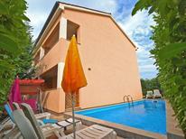 Appartement 1022350 voor 9 personen in Stinjan