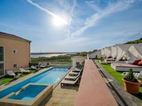 Casa de vacaciones 1023331 para 34 personas en Dinjiška