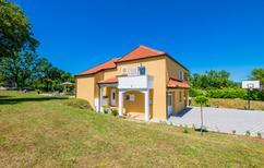 Ferienhaus 1023683 für 8 Personen in Gornji Vinjani
