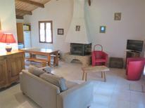 Semesterhus 1025048 för 4 personer i Blanquefort-sur-Briolance