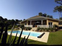 Vakantiehuis 1031538 voor 8 personen in Lacanau