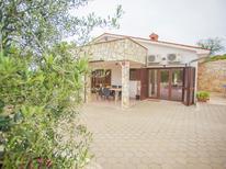 Ferienhaus 1123052 für 6 Personen in Karojba
