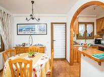 Ferienhaus 1132821 für 4 Personen in Sant Pere Pescador