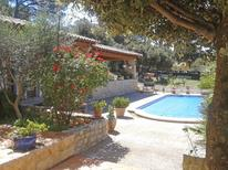 Holiday home 1133357 for 6 persons in Uchaux