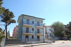 Ferienwohnung 1135892 für 5 Personen in Rosolina Mare