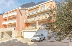 Appartement 1136087 voor 4 personen in Baska Voda