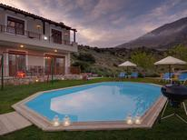 Maison de vacances 1137843 pour 4 adultes + 1 enfant , Triopetra