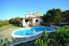 Maison de vacances 1138093 pour 8 personnes , Punta De Su Turrione