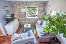 Vakantiehuis 1139734 voor 6 volwassenen + 1 kind in Gornji Vinjani