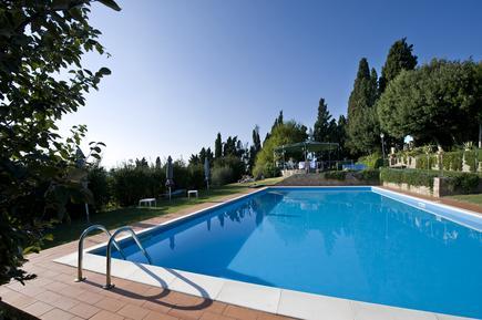 Gemütliches Ferienhaus : Region Volterra für 20 Personen
