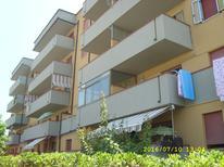 Ferienwohnung 1142180 für 3 Erwachsene + 2 Kinder in Lido Adriano
