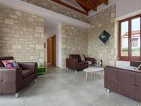 Maison de vacances 1143353 pour 8 personnes , Kirianna