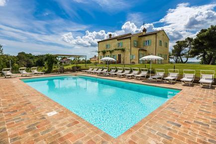 Gemütliches Ferienhaus : Region Adria für 21 Personen