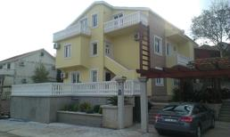 Ferienwohnung 1148388 für 4 Erwachsene + 2 Kinder in Radovići