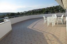 Appartement 1148797 voor 4 personen in Oštrička luka