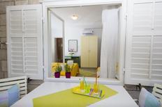 Appartement 1159448 voor 7 personen in Tučepi