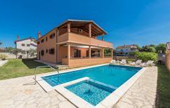 Appartement 1159554 voor 8 personen in Loborika