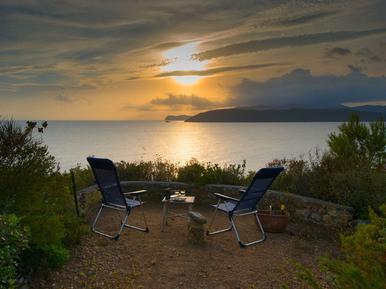 Gemütliches Ferienhaus : Region Elba für 9 Personen