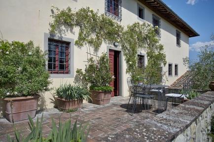 Gemütliches Ferienhaus : Region San Donato in Collina für 12 Personen