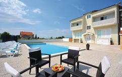 Ferienhaus 1162097 für 16 Personen in Trilj
