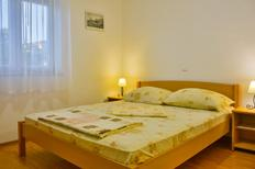 Appartement 1162710 voor 6 personen in Senj