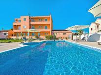 Ferienwohnung 1163299 für 4 Personen in Privlaka