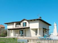 Ferienwohnung 1165020 für 6 Personen in Tortoreto Lido