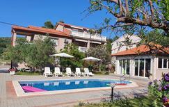 Ferienwohnung 1165446 für 6 Personen in Mundanije